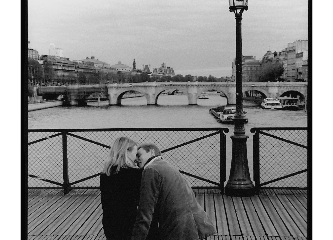 33  - 2006 - PARIS Le Pont des Arts.jpg