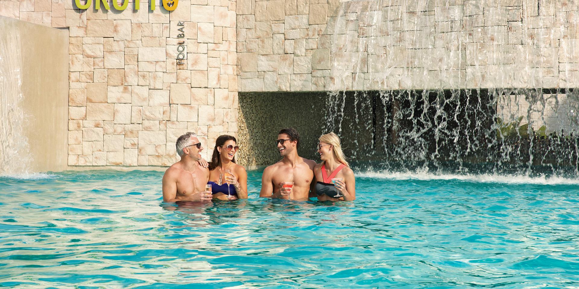 The Grotto   Swim-Up Bar