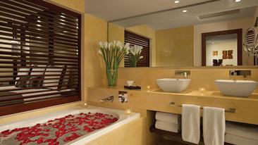 SECPM_JrSuite_Bathroom_2A-4.jpg