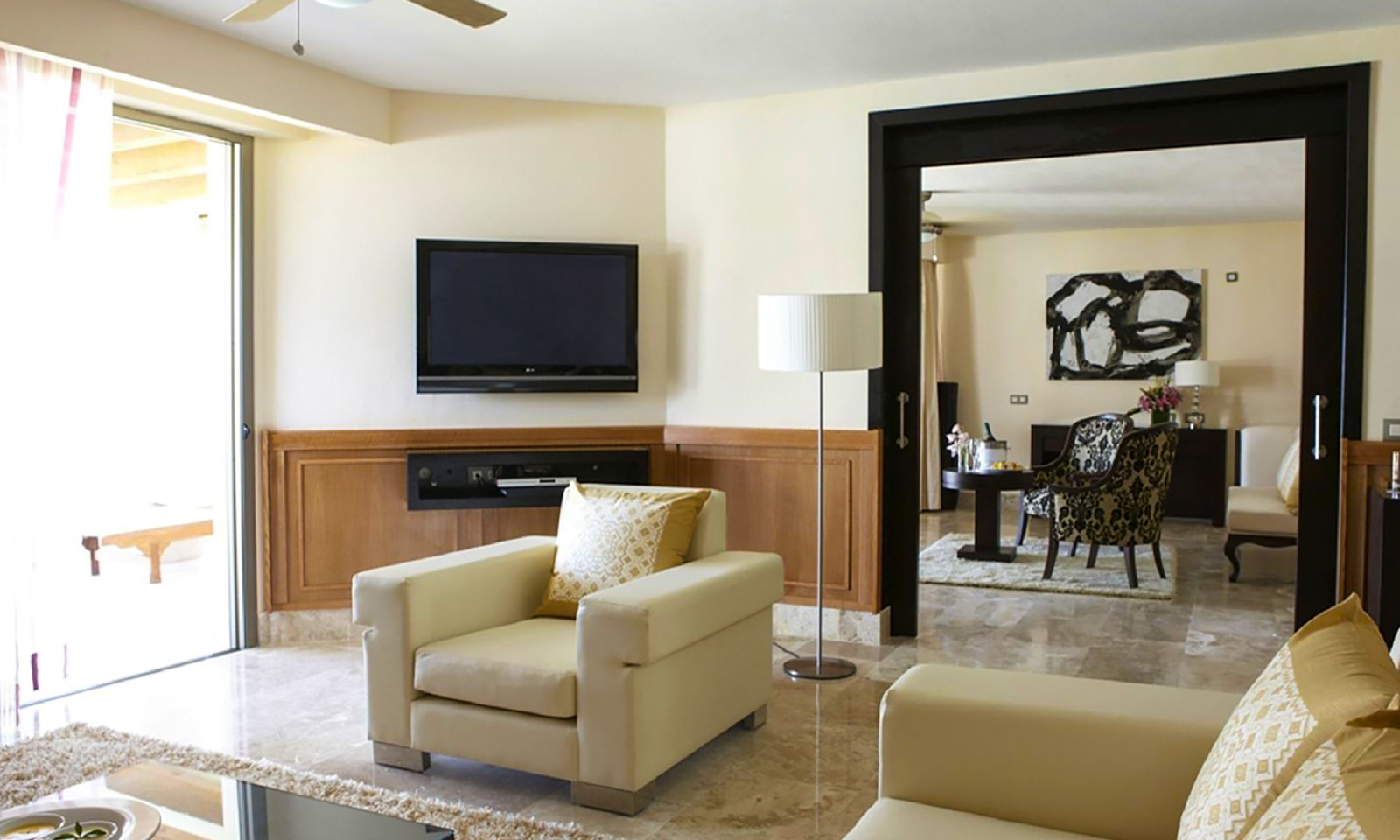 cancun-honeymoon-suites-with-jacuzzi-in-