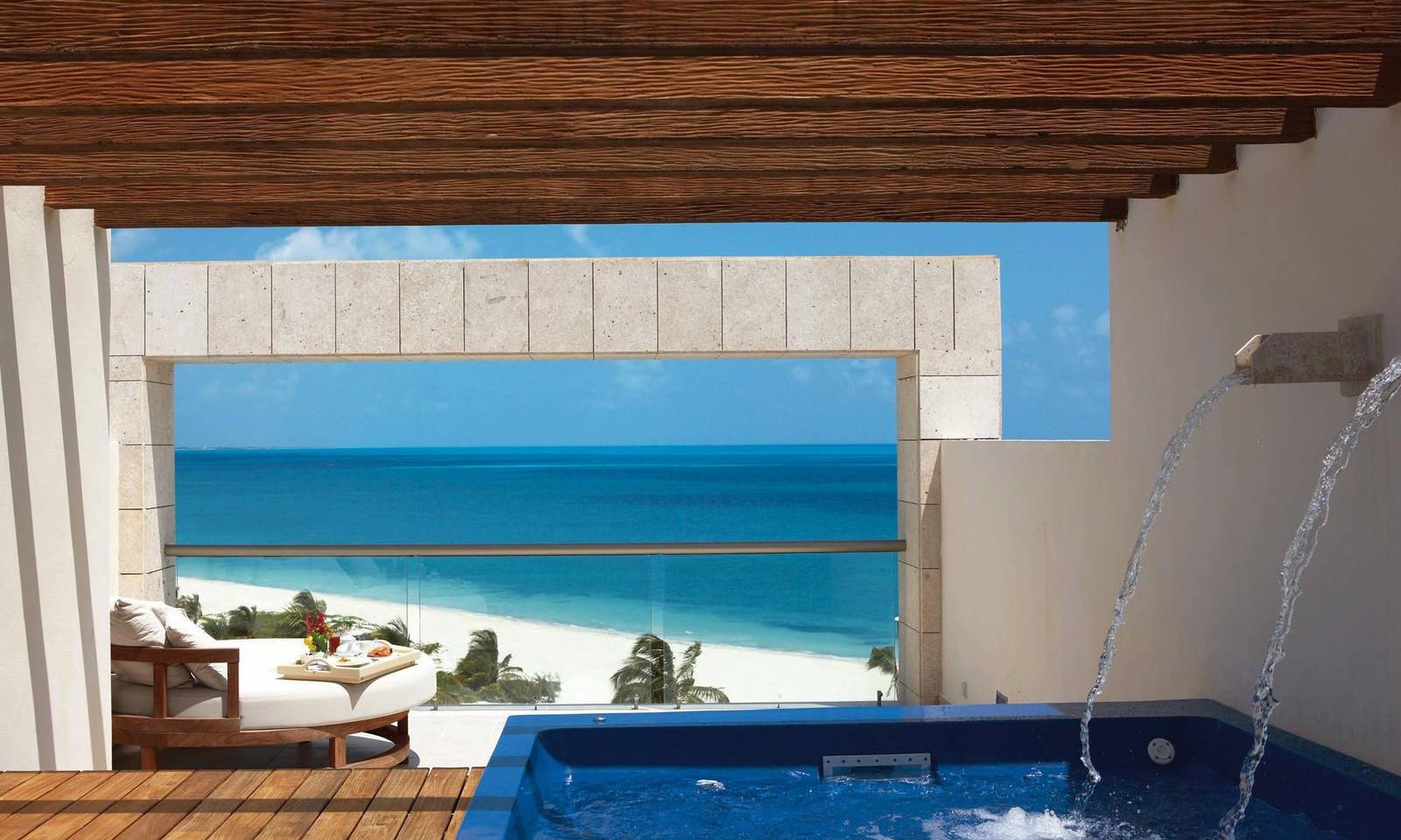 luxury-suite-ocean-view-with-terrace-jac