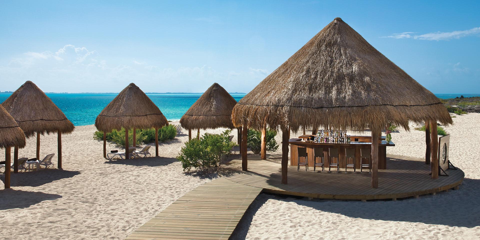 The Sand Bar | Caribbean Cocktails