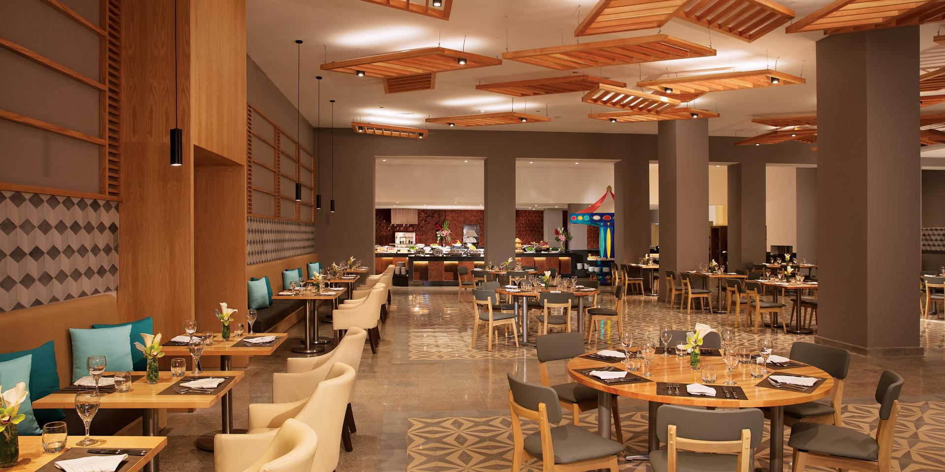 World Café | International Buffet
