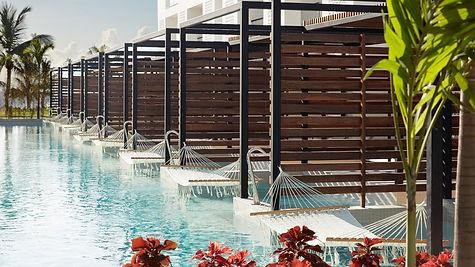 swim-up-suite-cancun-2.jpg