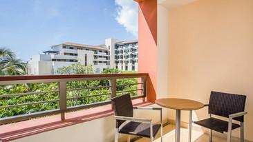 Junior-Suite-Garden-View-terrace.jpg