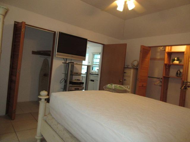 SMI049 bedroom (2)
