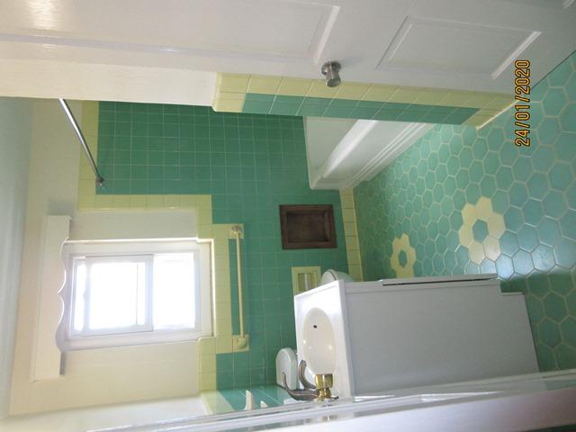 WAR107 bathroom