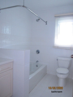 SMI020 bathroom
