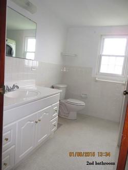SMI040 2nd bathroom
