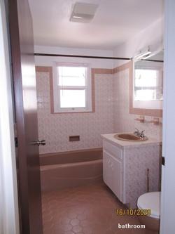 HAM107 bathroom