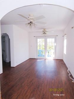 HAM090 living area