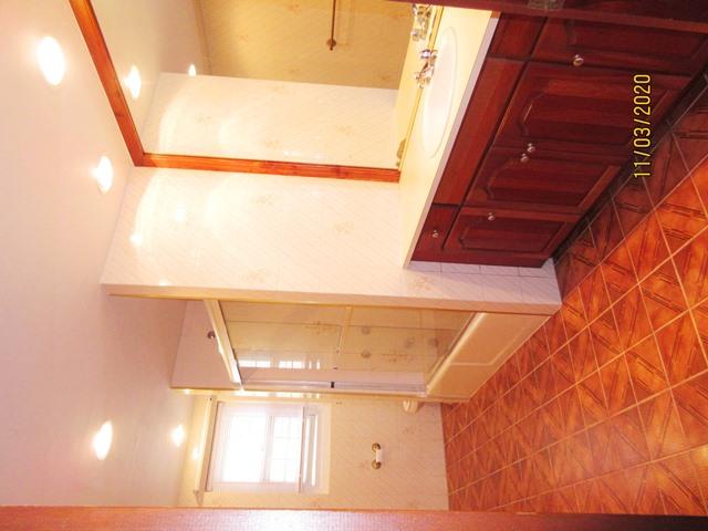 SAN024 bathroom
