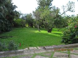 SMI048 exterior yard