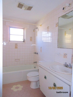WAR003 bathroom