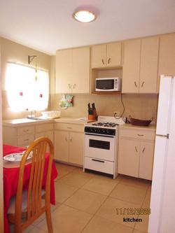 SAN089 kitchen