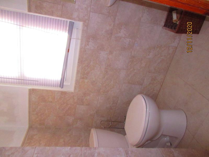 WAR111 bathroom