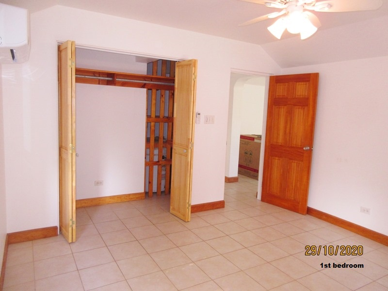 SMI012 1st bedroom (3)