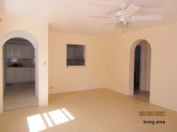 SAN082 living area