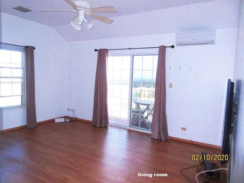 SOU041 living room