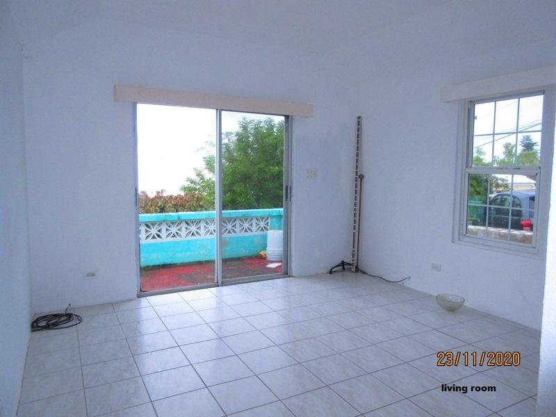 WAR003 living area (2)