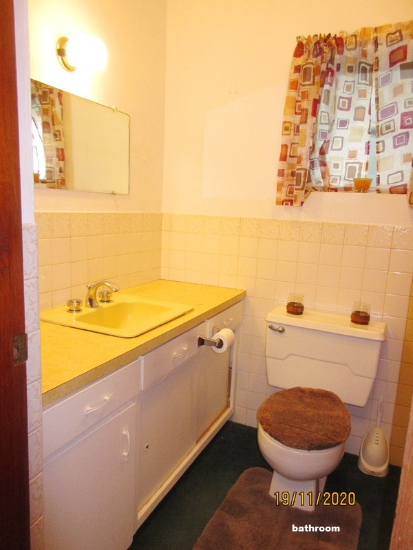 SAN089 bathroom (2)