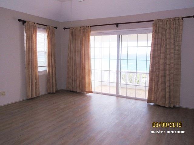 SOU063 master bedroom