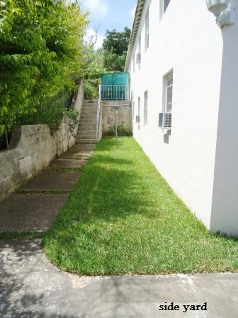 SAN024 exterior yard