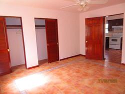 SAN024 master bedroom (2)