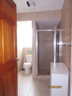 WAR113 bathroom