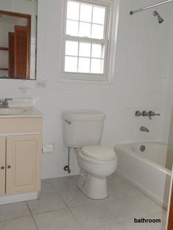 HAM026 bathroom