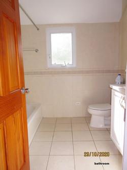 SMI012 bathroom