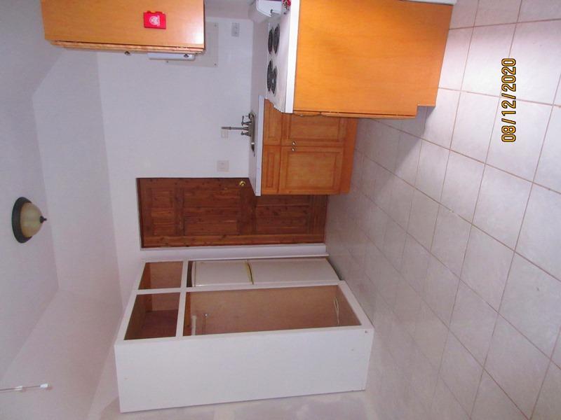 WAR111 kitchen living area (2)