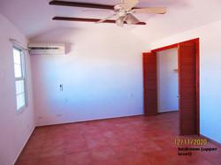 WAR110 bedroom (2)