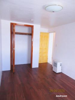 WAR006 bedroom (2)