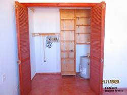 WAR110 bedroom closet