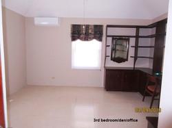 SOU063 3rd bedroom office den (3)