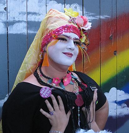 Sara Femme Fatale