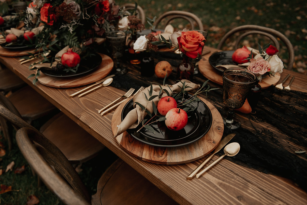 Dark & Romantic Wedding Inspiration featured on Pretty Little Vintage Co.