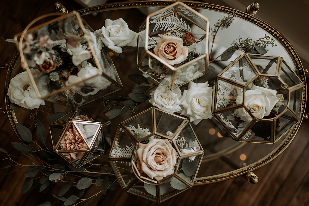 Geometric vases wedding decor