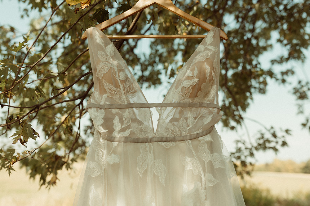 Willow by Watters | Outdoor wedding at The Kester Homeland | Pretty Little Vintage Co.