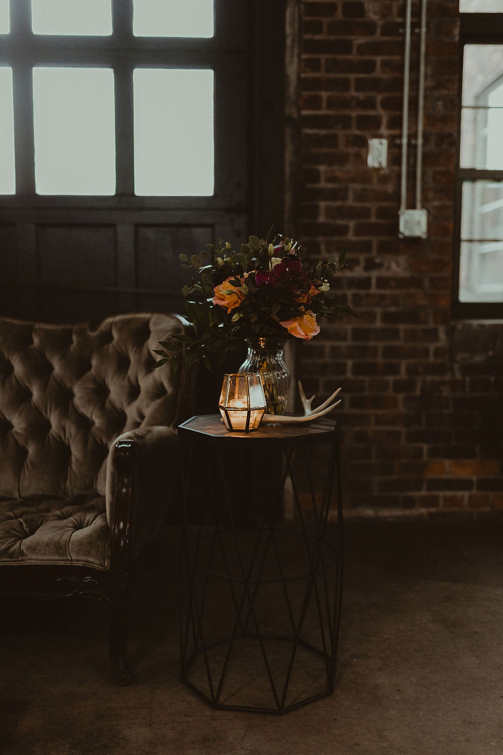 Vintage Wedding Decor: Industrial & Copper Styled Wedding Shoot at Smith's Market featured on Pretty Little Vintage Co.