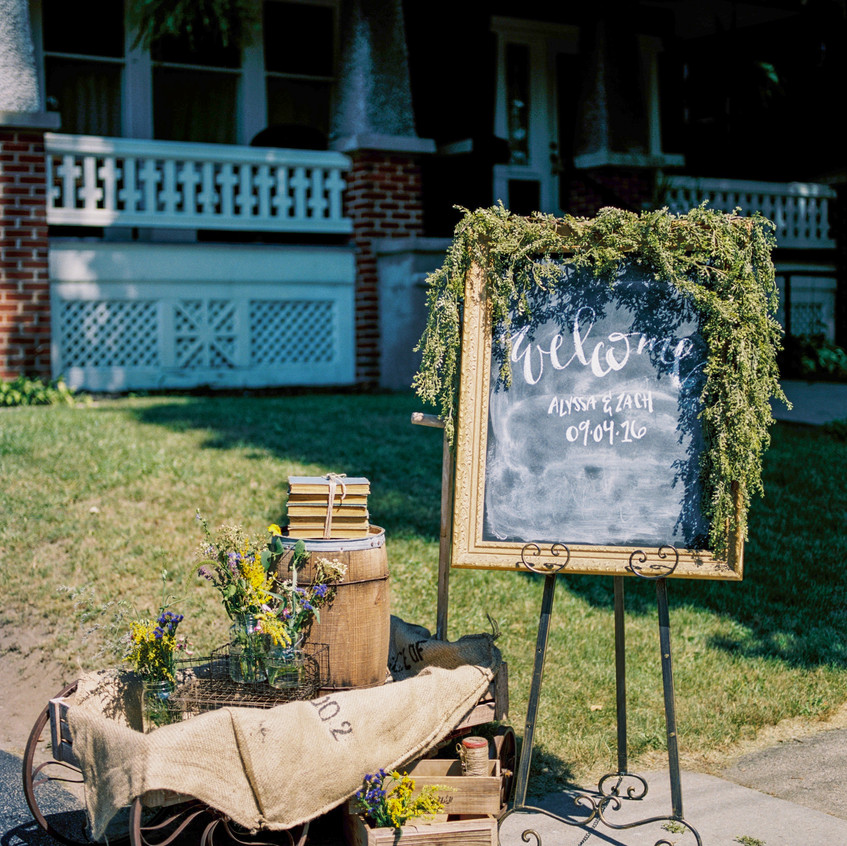 Alexandra-Elise-Photography-Ali-Reed-Film-Wedding-Photographer-Alyssa-Zach-Ceremony-001