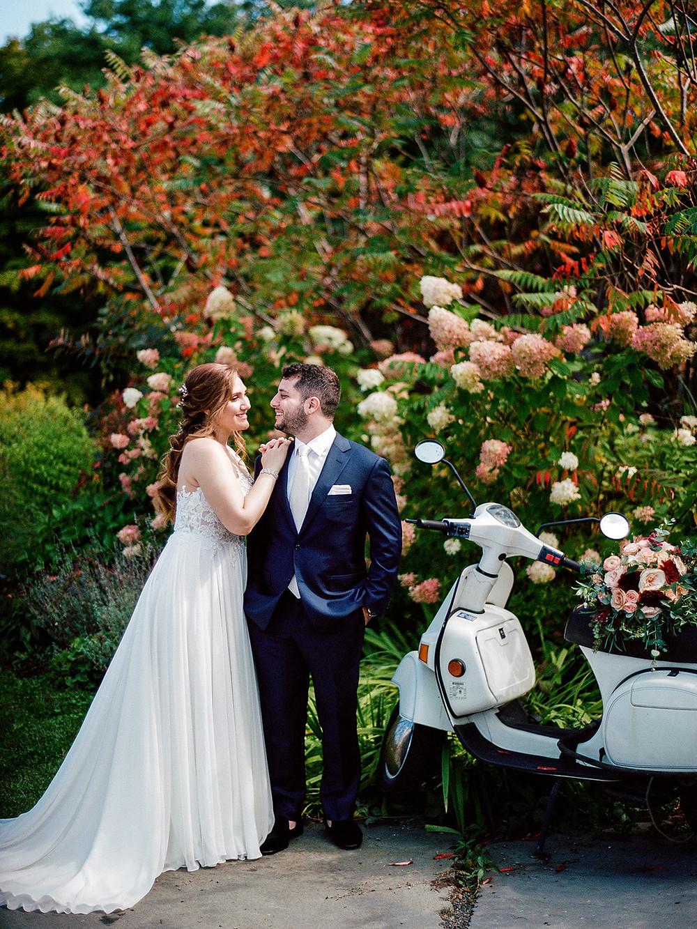 Jessica Manns Photography Wedding Portrait: Vintage Glam Barn Wedding at The Treman Center