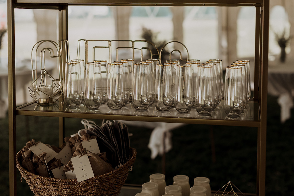 Gold wedding shelves with champagne glasses