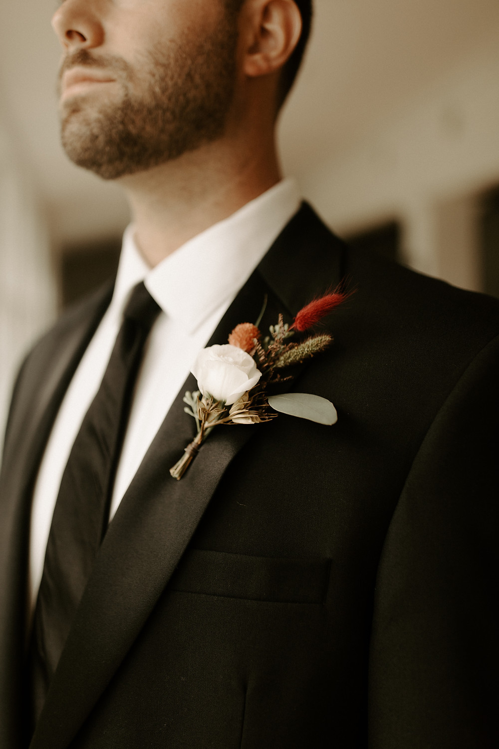 Boho wedding boutonniere