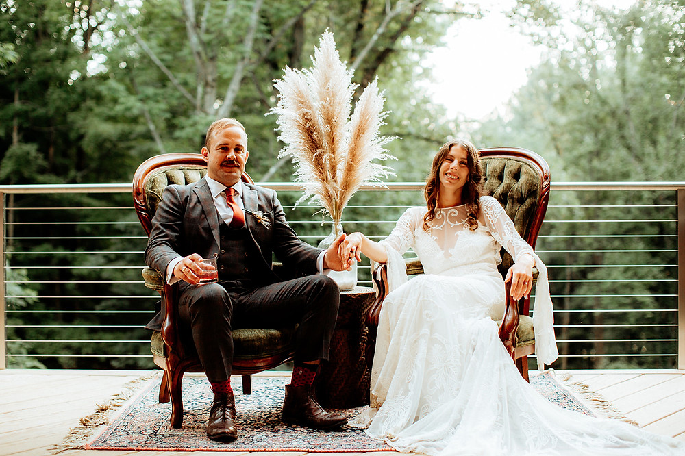 Warm Toned Backyard Wedding on Skaneateles Lake in Spafford, NY featured on Pretty Little Vintage Co.