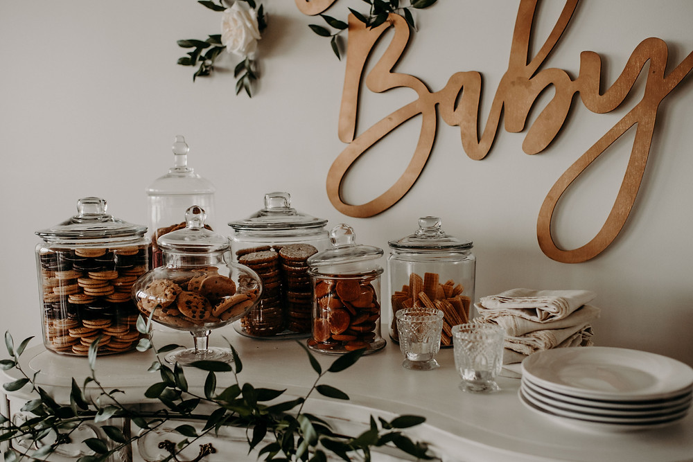 Baby shower vintage cookie bar display: Citrus baby shower cakes: Citrus Colored Baby Shower Inspiration with Pretty Little Vintage Co.