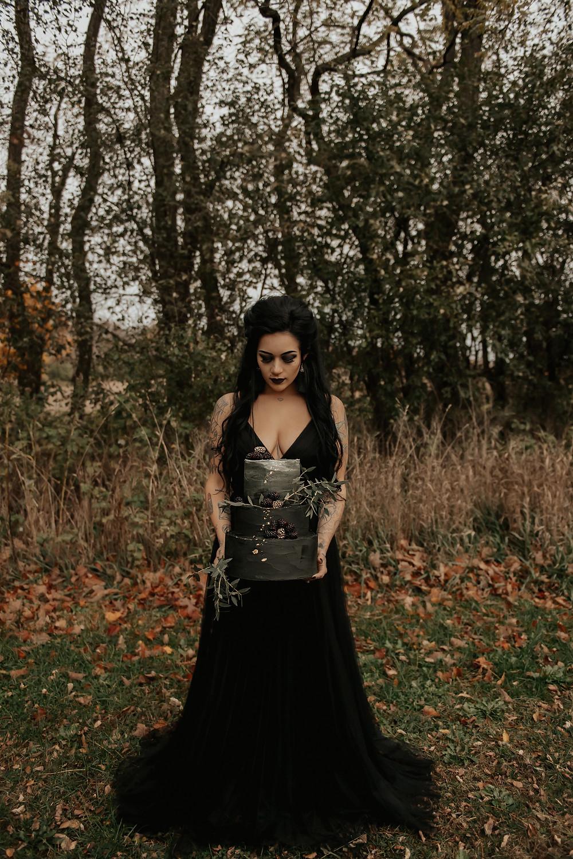 Gothic wedding inspiration: Dark & Romantic Wedding Inspiration featured on Pretty Little Vintage Co.