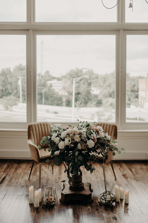 Modern wedding sweetheart table