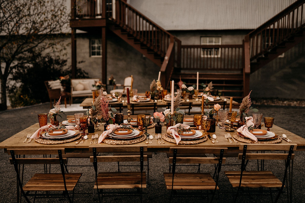 Wedding Tablescape Inspiration: Warm & Rustic Styled Shoot at Hayloft in the Arch captured by Tracy Jade Photography featured on Pretty Little Vintage Co.